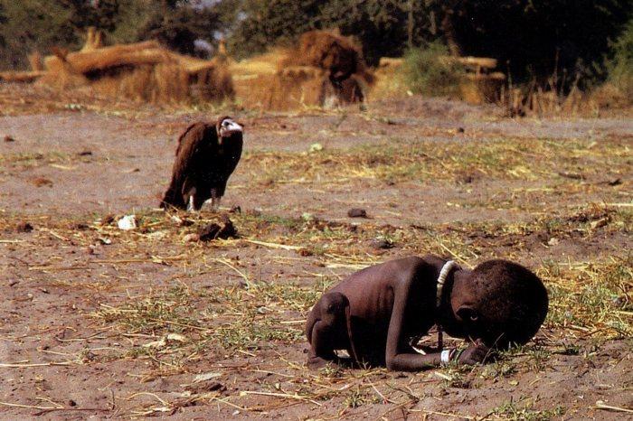 [Image: kevin-carter-vulture1.jpg]